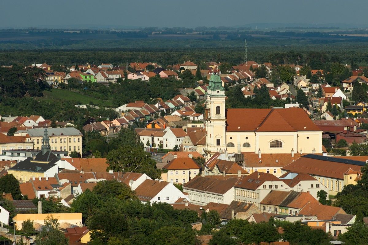 Cycling through the vineyards and gardens of Southern Moravia ...